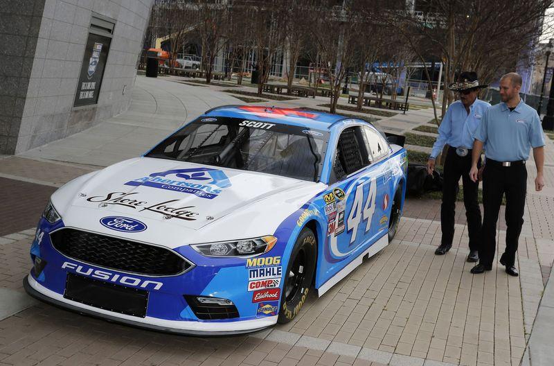 Richard Petty Motorsports >> Richard Petty Motorsports Welcomes Brian Scott New Sponsors Pit
