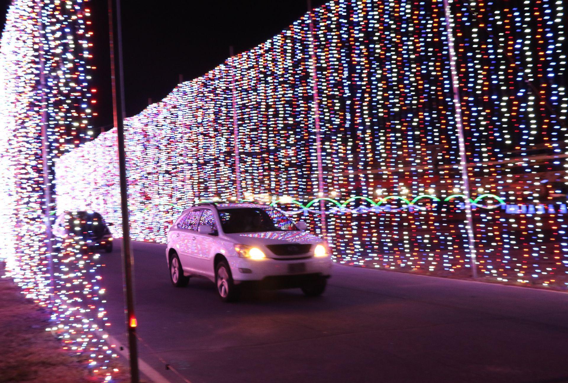 speedway christmas lights up charlotte motor speedway back to photos archive - Charlotte Motor Speedway Christmas Lights 2014