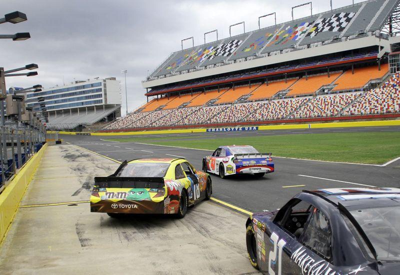 Photo gallery fan info charlotte motor speedway for Charlotte motor speedway driving experience