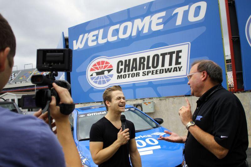 Photo gallery fan info charlotte motor speedway for Nascar ride along charlotte motor speedway